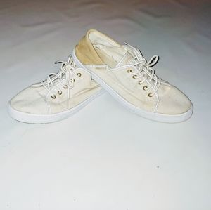 Tommy Hilfiger cream and tan canvas shoes …